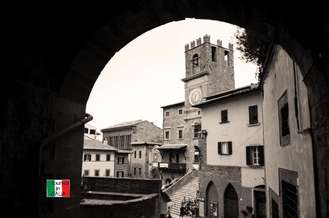 Cortona scorcio su Piazza Repubblica e Palazzo Comunale