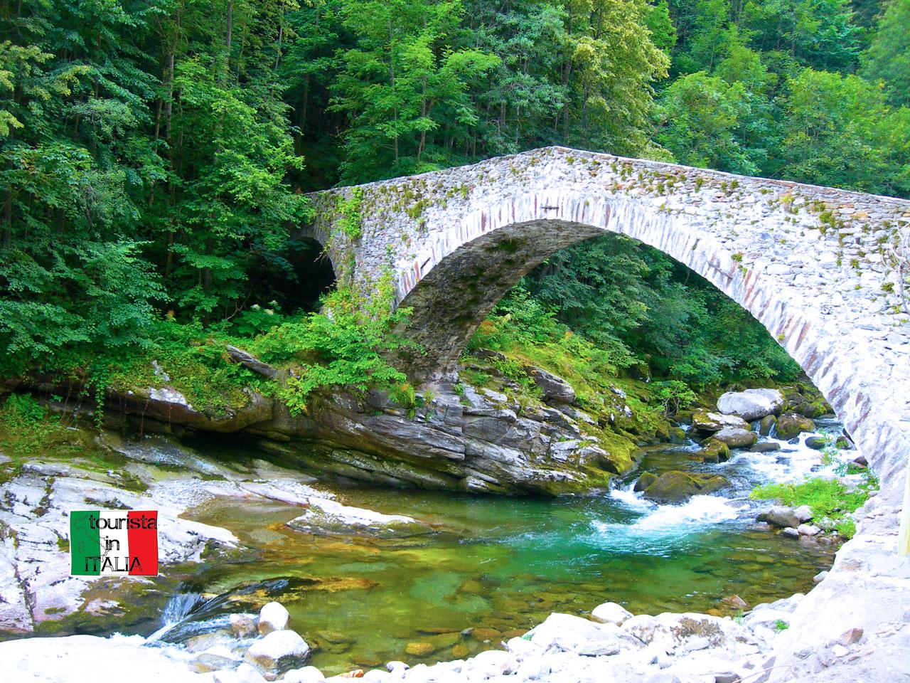 Piaggiogna Inferiore ponte sul torrente Sermenza