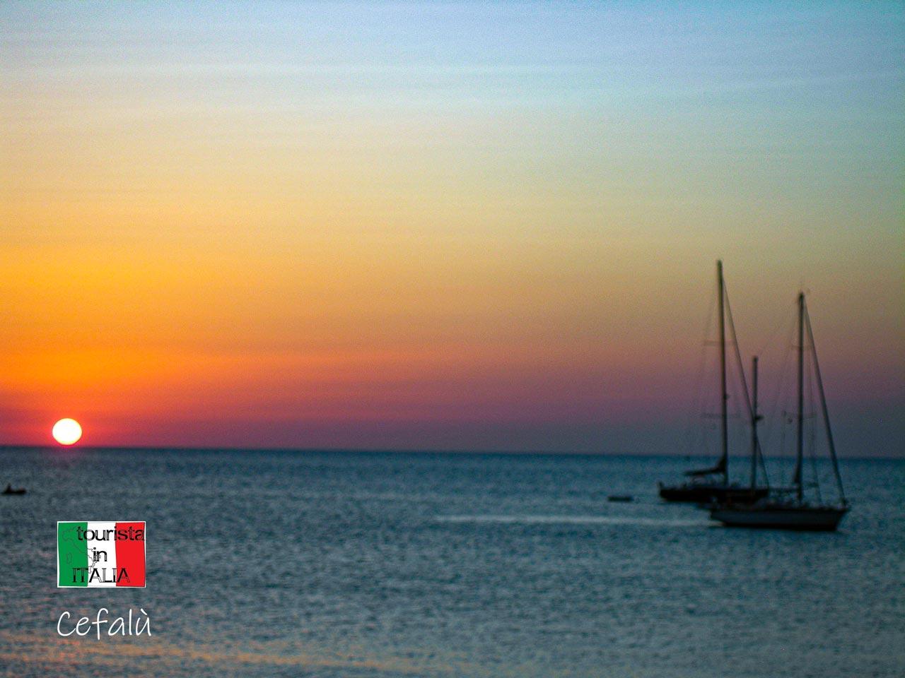 Cefalù tramonto sul mare