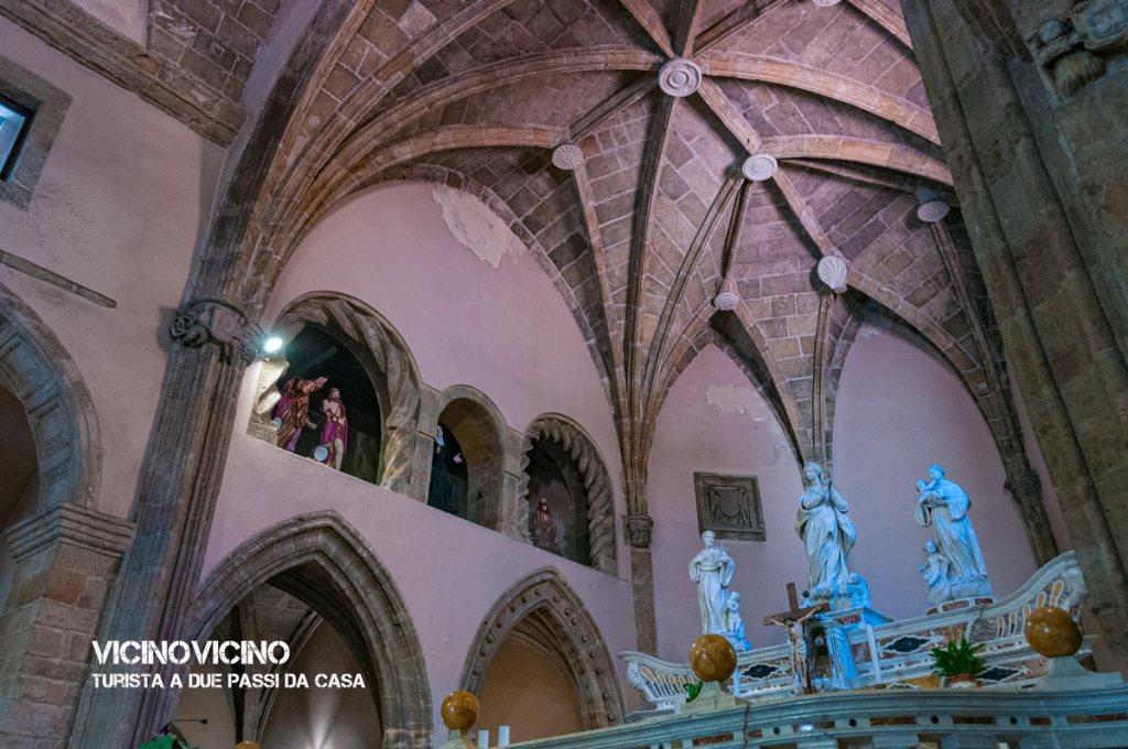 Alghero, altare della chiesa di San Francesco