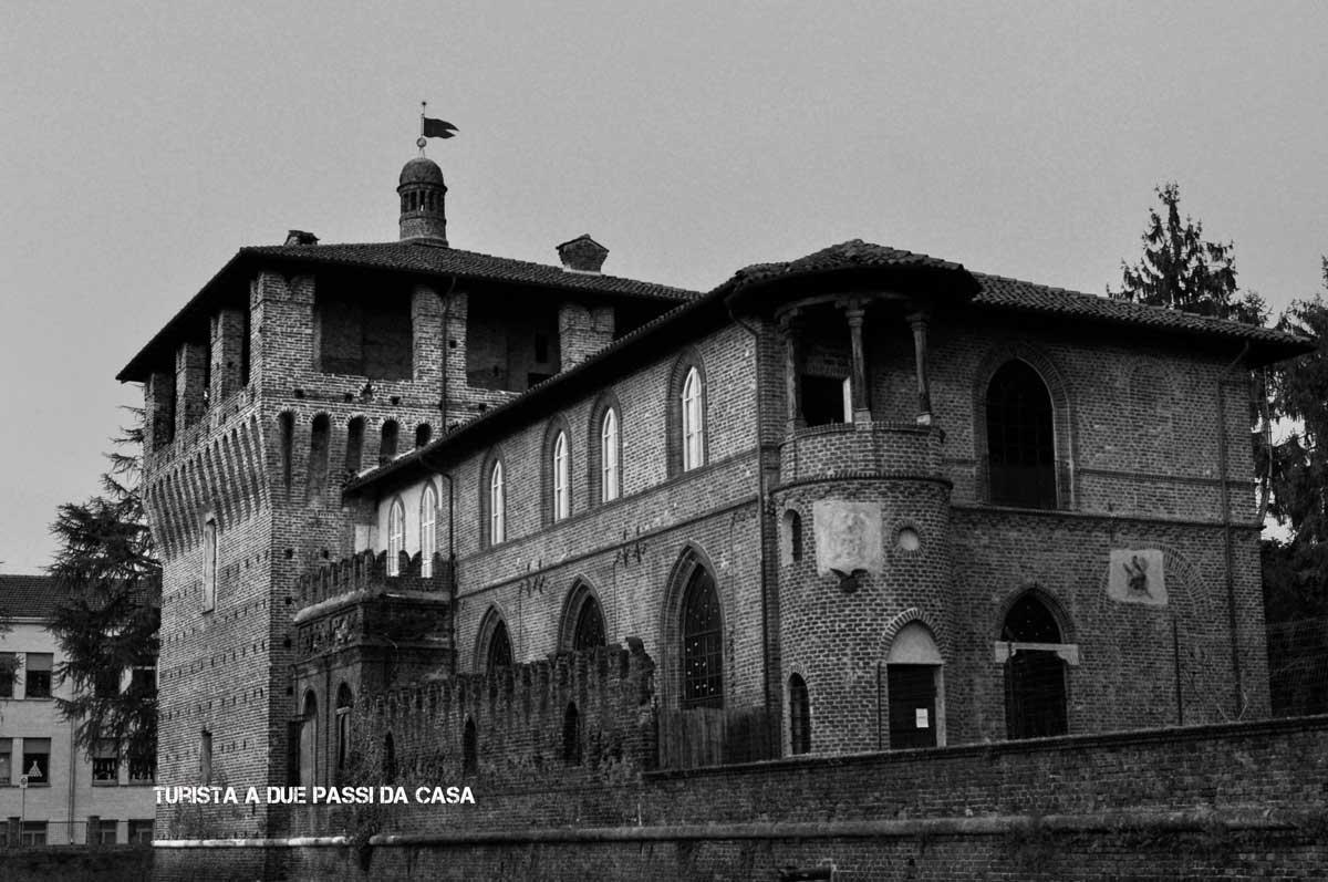 Galliate, il castello - Turista a due passi da casa
