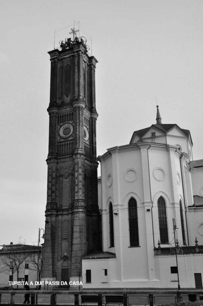 Galliate, chiesa dei santi Pietro e Paolo, il campanile - Turista a due passi da casa