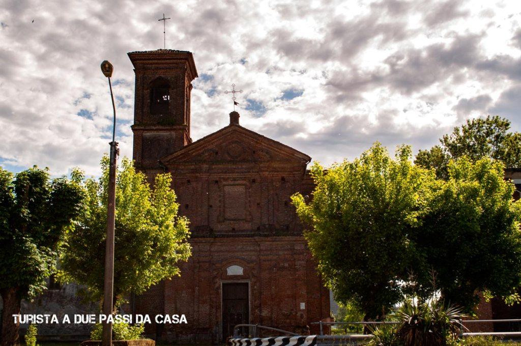 Leri Cavour, chiesa- Turista a due passi da casa