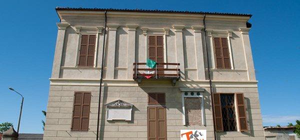 Leri Cavour - Turista a due passi da casa