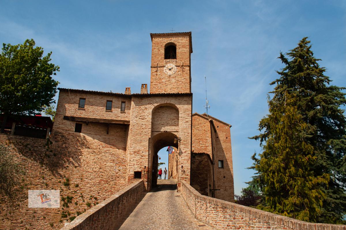 Montegridolfo - Turista a due passi da casa