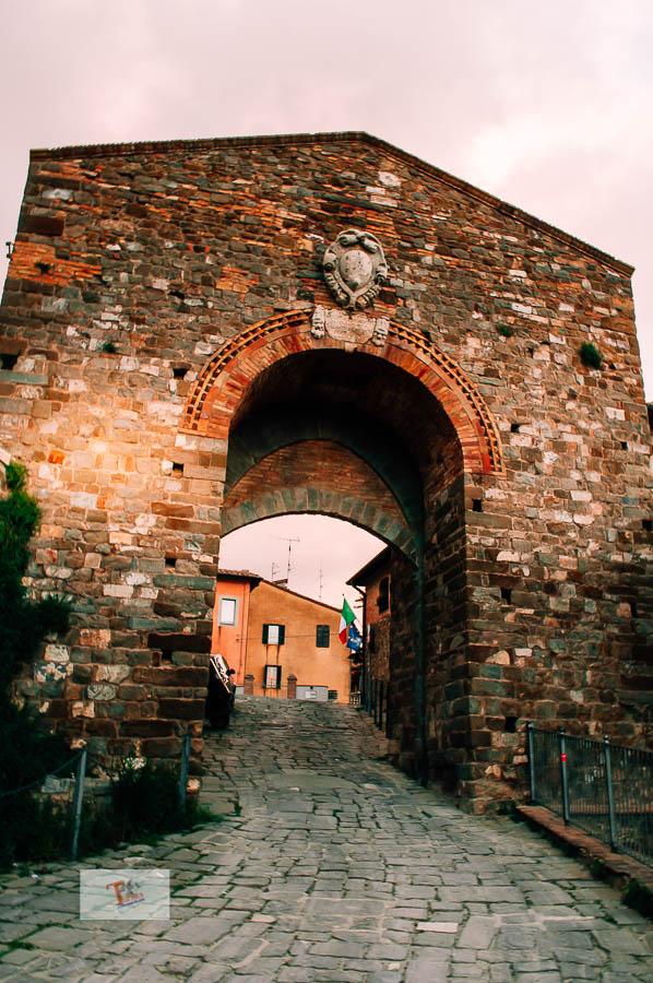 Montalcino, porta Cerbaia - Turista a due passi da casa