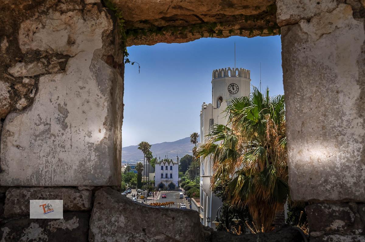 Kos, sullo sfondo l'albergo gelsomino -Turista a due passi da casa