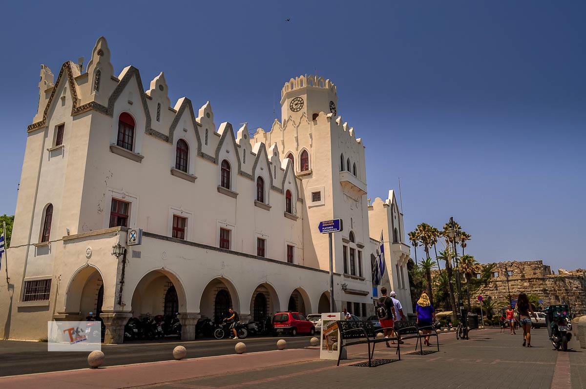 Kos, Palazzo del Governo - Turista a due passi da casa