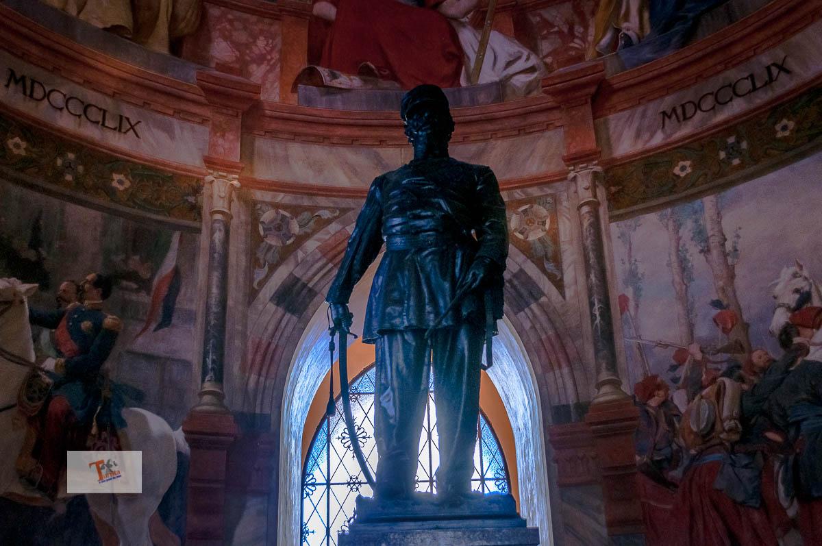 San Martino della Battaglia, statua a Vittorio Emanuele II - Turista a due passi da casa