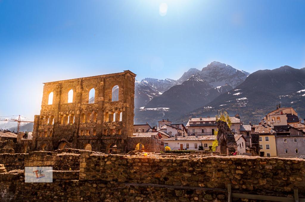 Aosta, anfiteatro romano - Turista a due passi da casa