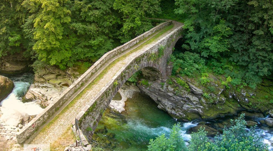 Piaggiogna Inferiore, ponte - Turista a due passi da casa