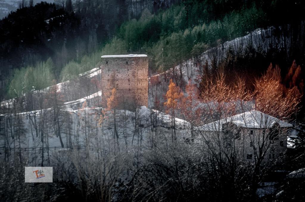 Gignod torre - Turista a due passi da casa
