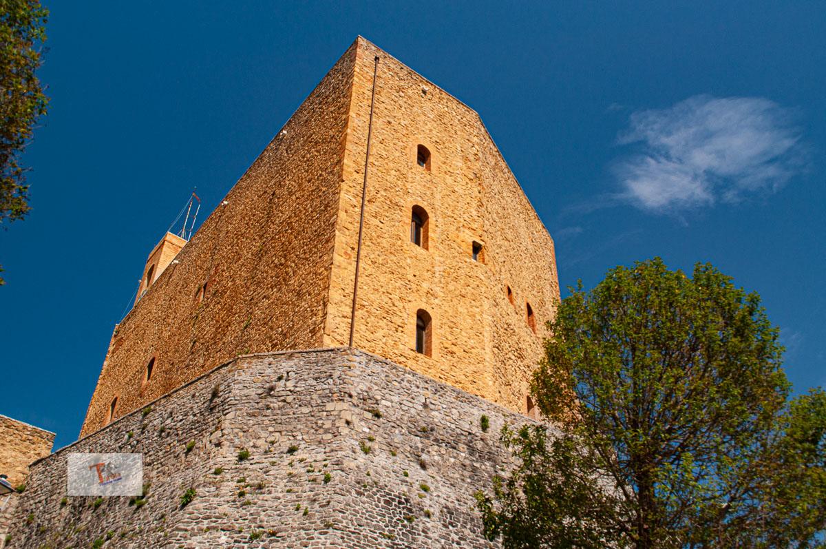 Montefiore Conca, castello- Turista a due passi da casa