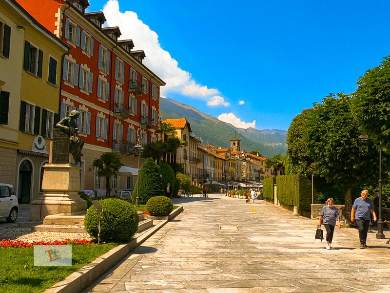 Cannobio, lungolago - Turista a due passi da casa