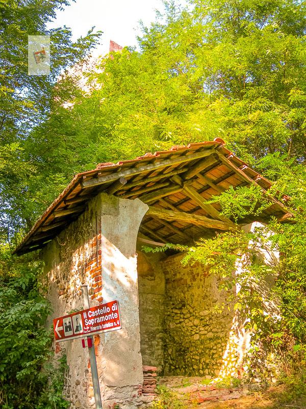 Prato Sesia, indicazioni castello Sopramonte- Turista a due passi da casa