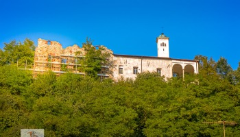 Prato Sesia, ruderi del castello - Turista a due passi da casa