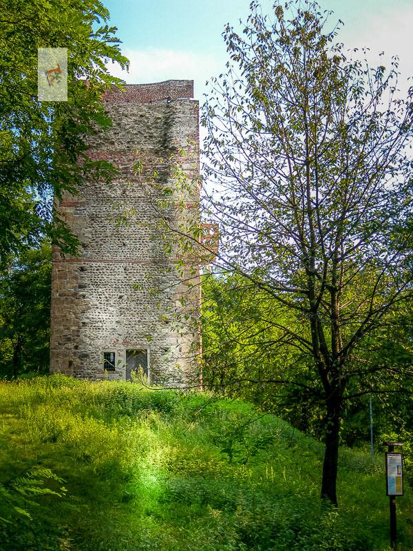 Prato Sesia, Torre Dolcino - Turista a due passi da casa