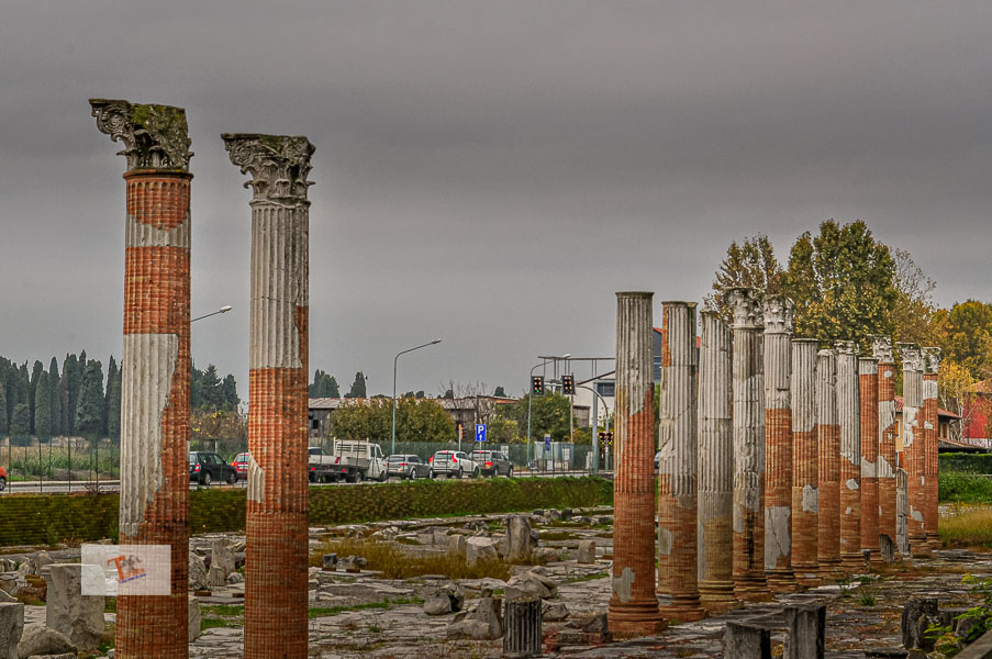 Aquileia, area archeologica - Turista a due passi da casa