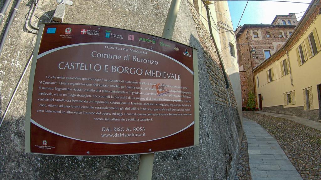 Buronzo, cartello ingresso centro storico - Turista a due passi da casa