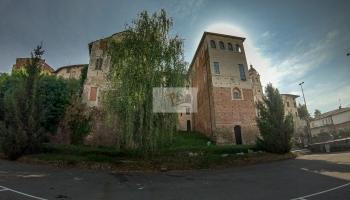 Buronzo, castello - Turista a due passi da casa