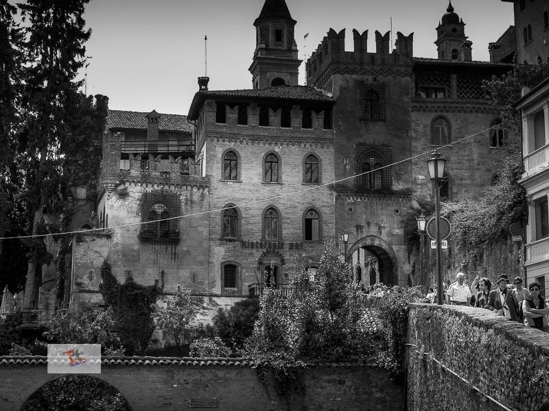 Castell'Arquato, la porta d'ingresso nel centro storico- Turista a due passi da casa