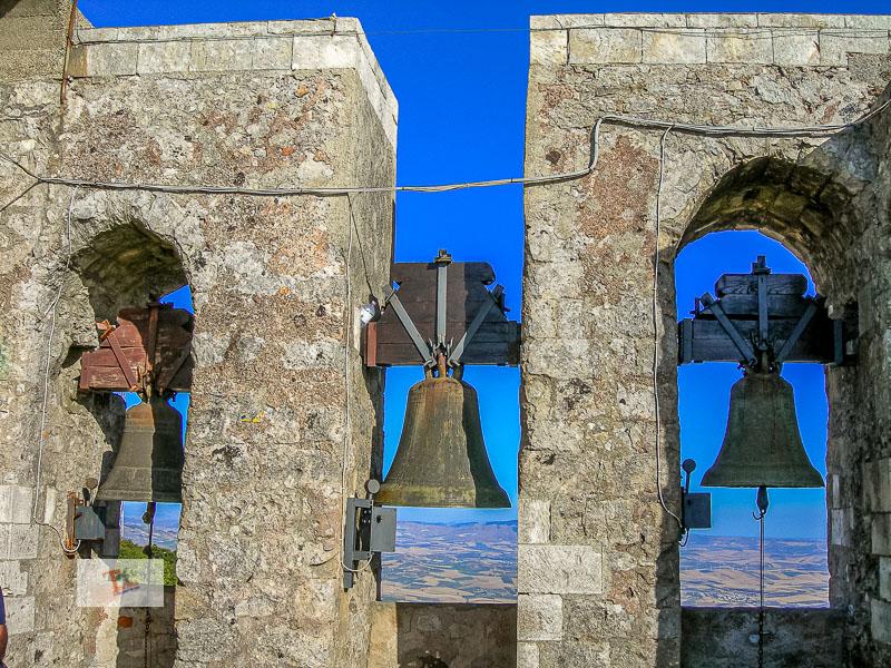 Erice, torre campanaria, le campane - Turista a due passi da casa