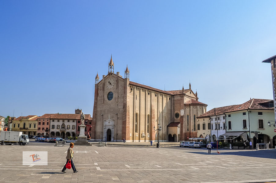 Montagnana, piazza e duomo - Turista a due passi da casa