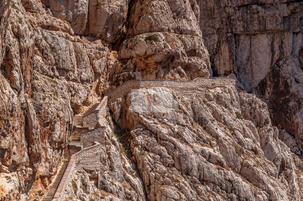 Capo Caccia, la scalinata sulle rocce - Turista a due passi da casa