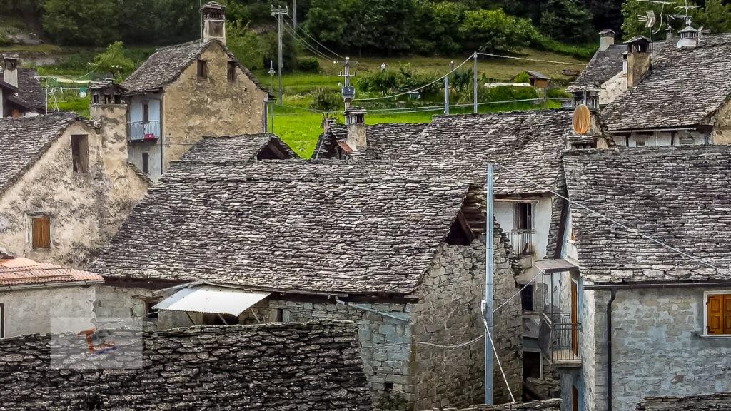 Crodo, frazione Cravegna, case tipiche - Turista a due passi da casa