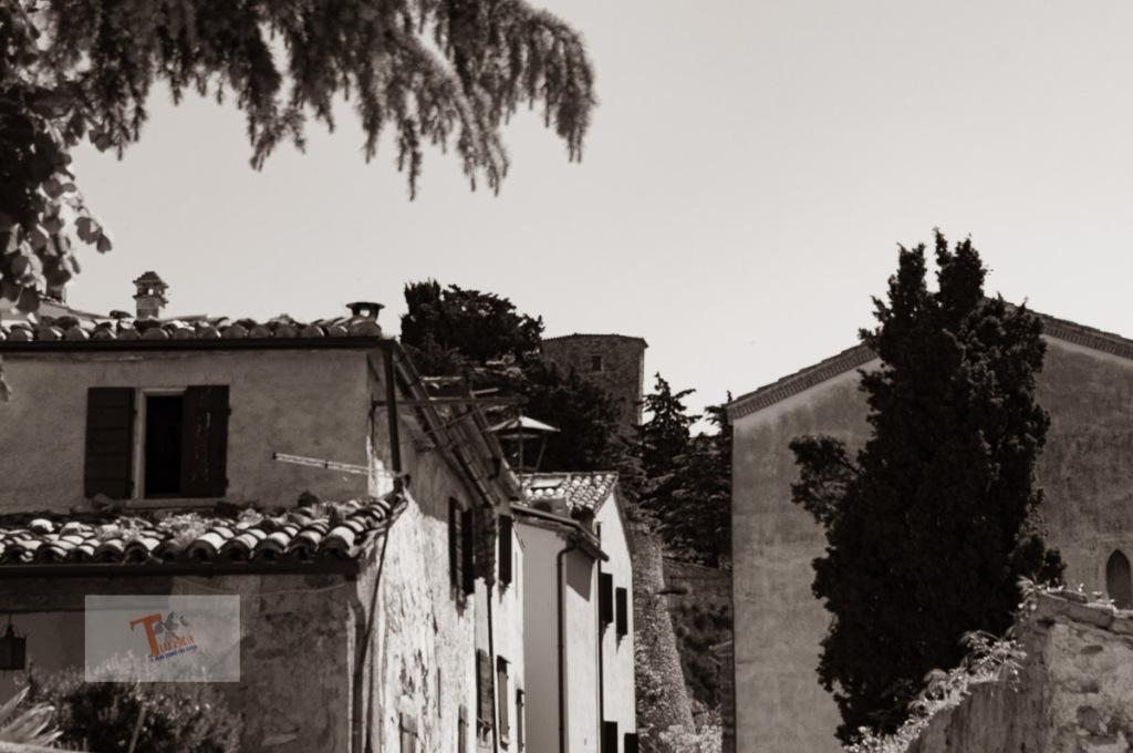 Montebello, centro storico - Turista a due passi da casa